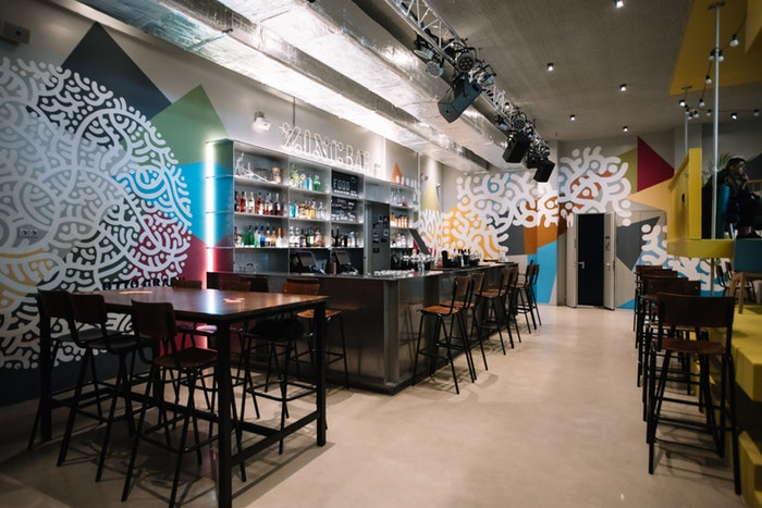 mesas altas de bar