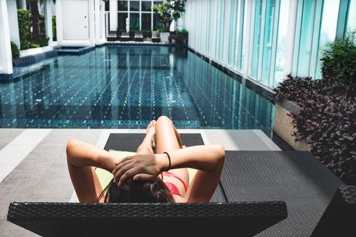 tumbona para piscina