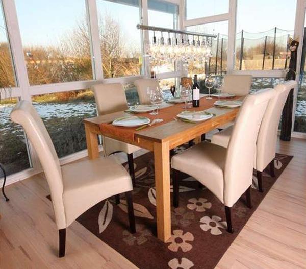 Cu les son las medidas de silla de comedor adecuadas for Sillas de madera para comedor 2016