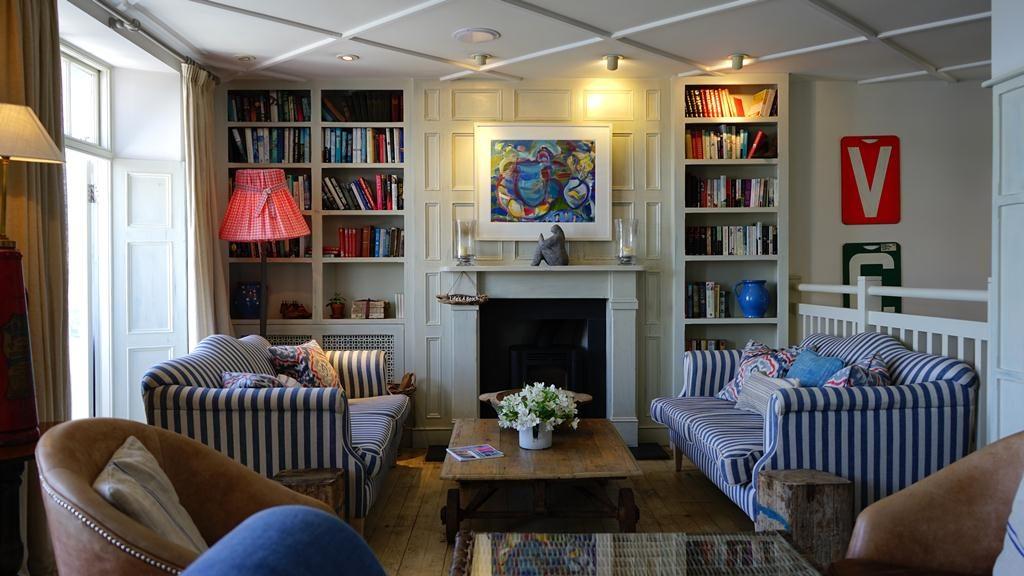Cómo decorar salones pequeños y rectangulares - Homy.es: Homy.es
