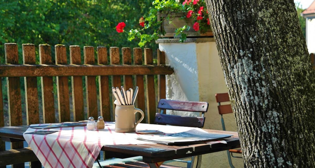 Mesas De Exterior Para Disfrutar Comiendo En Tu Jardín O