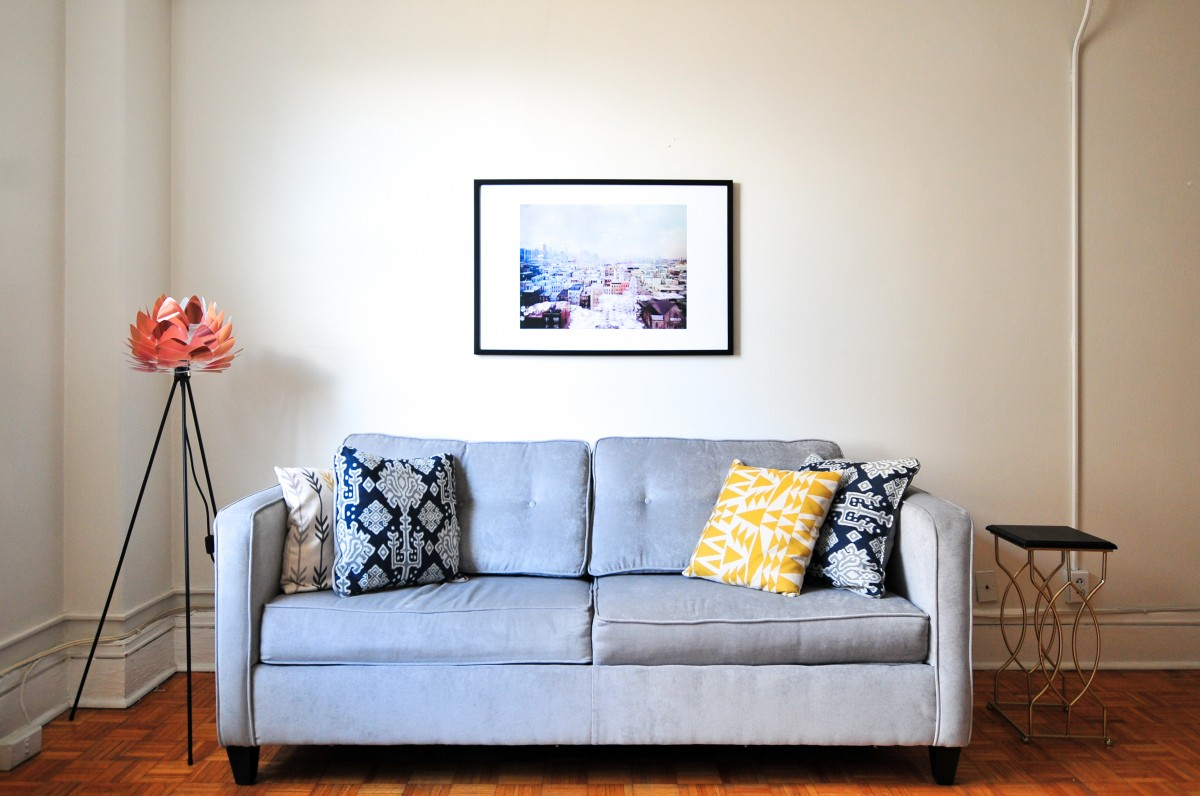 Consejos a la hora de escoger muebles para salones pequeños - Homy ...