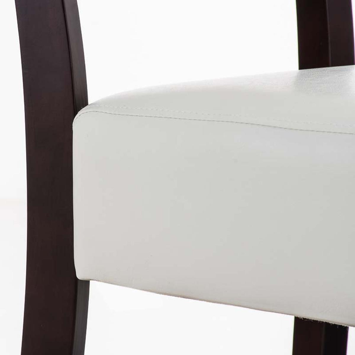 Silla de comedor cristobal tapizada en piel color blanco for Sillas de piel para comedor