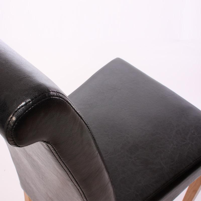 Lote 2 sillas de comedor m37 en piel color marr n y patas for Sillas de piel blancas
