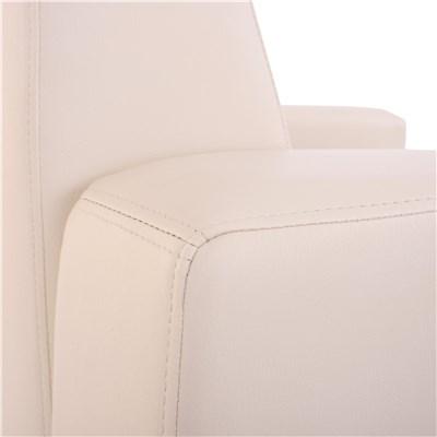 Sillón modelo LYON, en cuero sintético crema