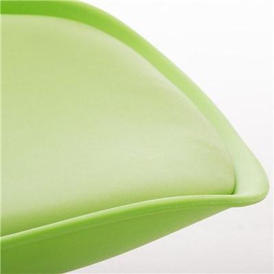 Lote de 6 Sillas de Comedor LOREN, Estructura en Plástico y Piel Verde, Patas Blancas